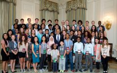 President Barack Obama participates in a group photo with student filmmakers  in the State Dining Room during the South by South Lawn (SXSL) event at the White House, Oct 3, 2016. (Official White House Photo by Chuck Kennedy)